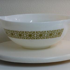 PYREX #444 Vintage Cinderella  Mixing Bowl (#290)